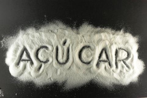 Como o Açúcar branco é feito e que doenças ele causa